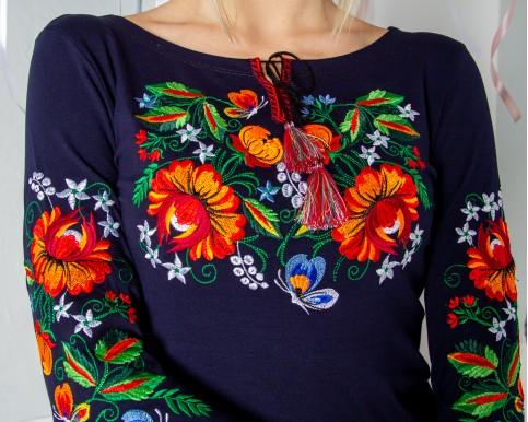 Купити жіночу футболку вишиванку  Мазурка плюс (темно синя) в Україні від Галичанка фото 1