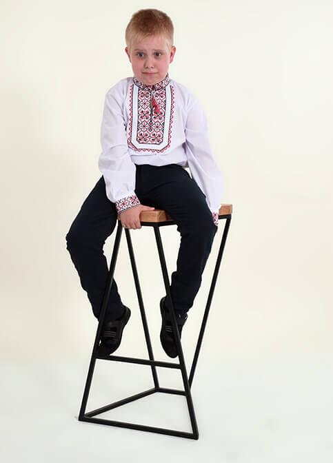 Вишиванка для хлопчика Молодший Капрал Плюс (біла з червоним) – купити в УкраїнівідГаличанка фото 1