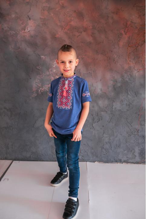 Купити вишиту футболку для хлопчика Зорянчик (джинс синій з червоно-білим) – ціна від виробника Галичанка фото 1