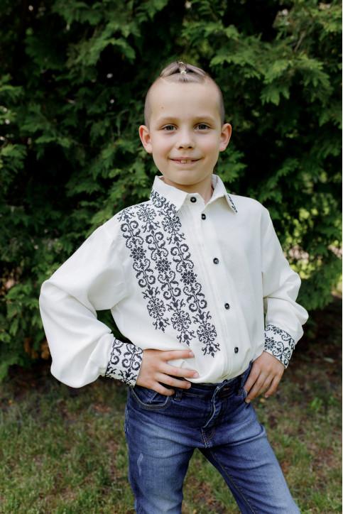 Вишиванка для хлопчика Северин (молочна з чорним) – купити в УкраїнівідГаличанка фото 1