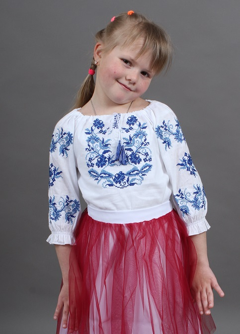 Вишиванка для дівчинки Іваничка сорочкова біла з синім – купити в Україні від Галичанка фото 1