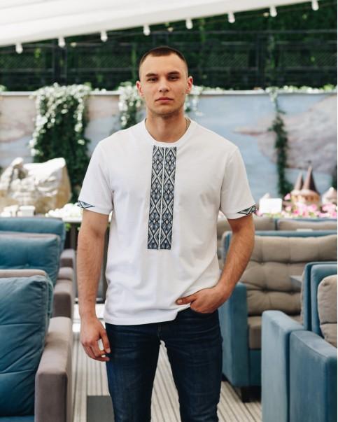 Купити чоловічу футболку вишиванку Фаворит (біла з сірим) в Україні від Галичанка фото 1