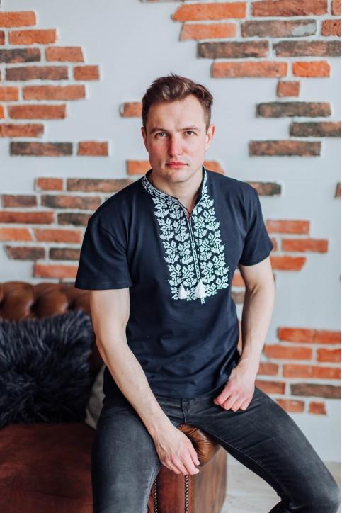 Купити чоловічу футболку вишиванку Ярило (т.синя з білим)  в Україні від Галичанка фото 1