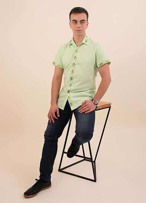 Купити чоловічу вишиту сорочку Незалежність комір (салатова планка гладь зелена )в Україні від Галичанка фото 1