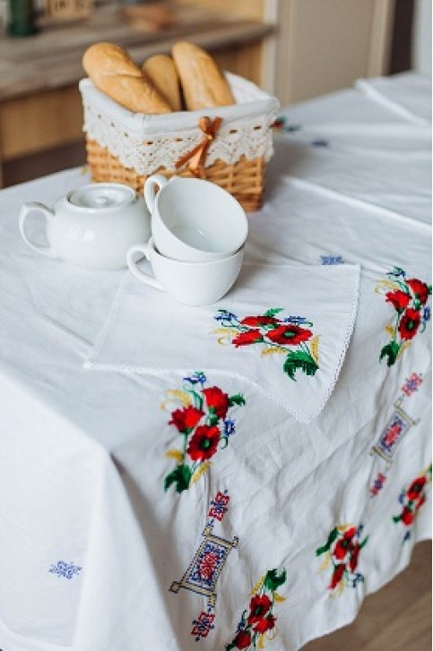Купити скатертину в українському стилі  Достаток 1,45*1,45 (біла) + серветки від виробника Галичанка  фото 1