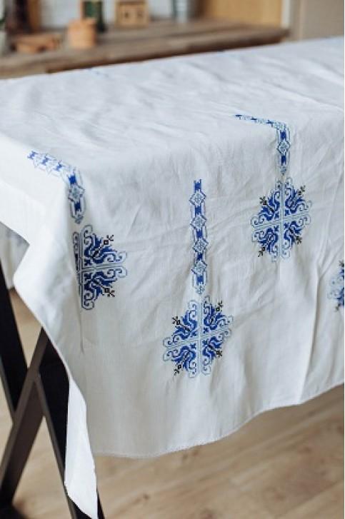 Купити скатертину в українському стилі Злагода (біла з синім) від виробника Галичанка  фото 1