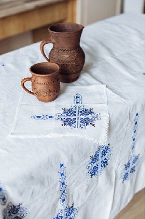 Купити скатертину в українському стилі  Злагода 1,45*1,45 (біла з синім)+ серветки від виробника Галичанка  фото 1