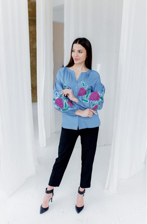 Купити жіночу вишиту сорочку  П'янкий аромат (джинс голубий)в Україні від Галичанка фото 1
