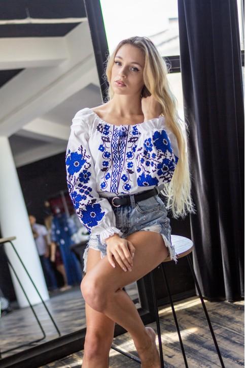 Купити жіночу вишиту сорочку Весняні мрії бохо (біла з синім)в Україні від Галичанка фото 1