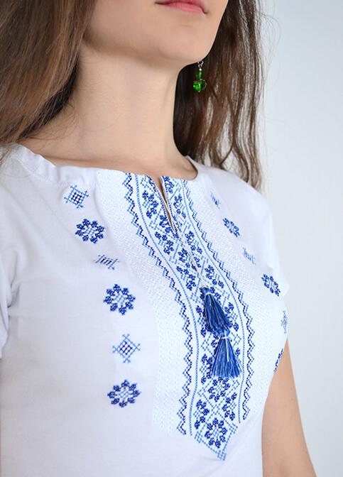 Купити жіночу футболку вишиванку Орнамент (біла з синьою) в Україні від Галичанка фото 1