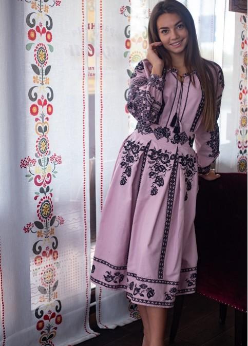 Купити жіночий костюм Неповторність рожева з вишивкою в Україні від Галичанка фото 1