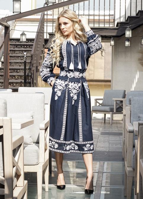 Купити жіночий костюм Неповторність темно синя з вишивкою в Україні від Галичанка фото 1
