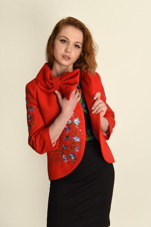Купити жіночий жакет з вишивкою Дзвіночок (червоне) в Україні від Галичанка фото 1