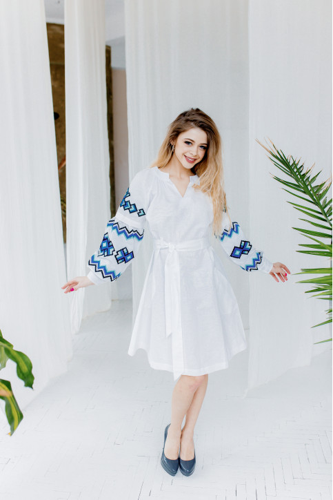 Купити вишиту сукню  Христина (біла з синім) в Україні від виробника Галичанка фото 1