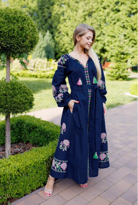 Купити вишиту сукню Паризька троянда (т. синя) в Україні від виробника Галичанка фото 1
