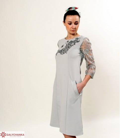 Купити вишиту сукню Сеньйорина (сіре з чорним) в Україні від виробника Галичанка фото 1