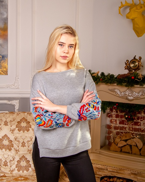 Купити жіночий світшот з вишивкою Стожари в Україні від Галичанка фото 1
