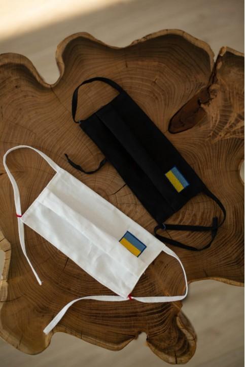 Купити захисну маску Прапорець (чорна) в Україні від виробника Галичанка фото 1