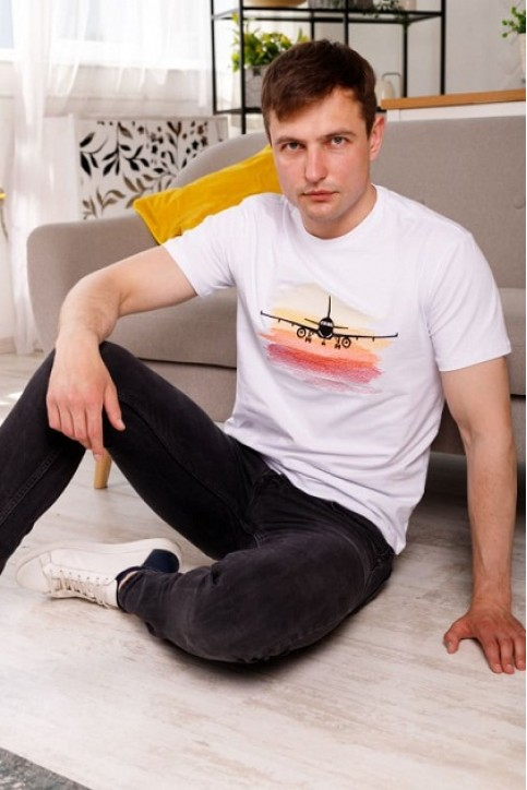 Купити чоловічу футболку Casual Мрія (біла)  в Україні від Галичанка фото 1
