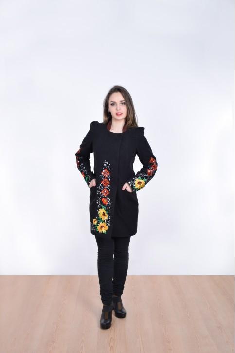 Купити пальто з вишивкою Долина сонця (чорне)в Україні від Галичанка фото 1