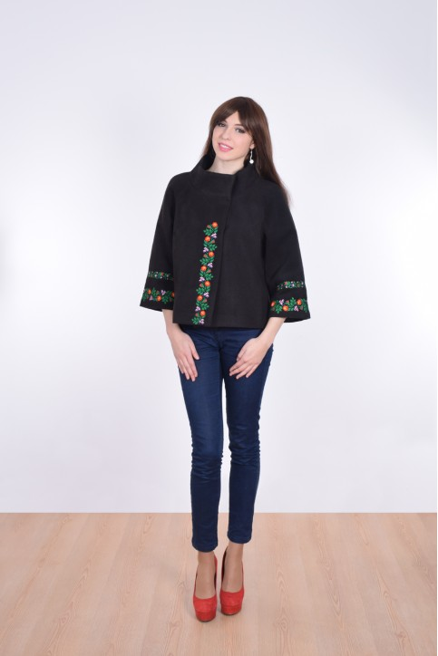 Купити жіночий жакет з вишивкою Квіткова мережка (чорне) в Україні від Галичанка фото 1